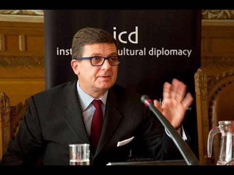 Entrevista com o Embaixador da Itália no Brasil, V. Ex.ª Francesco Azzarello